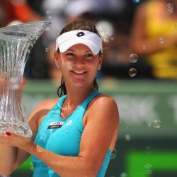 Giải Quần vợt Sony Eriksson Open: Serena bất ngờ đánh bại Henin
