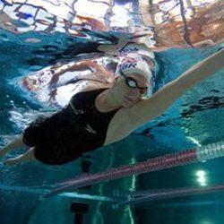 Tăng trưởng chiều cao nhờ môn bơi lội