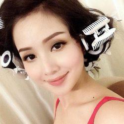 Cuốn tóc trước khi đi ngủ là cách làm tóc hiệu quả và tiết kiệm thời gian.