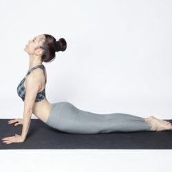 Mách bạn 5 động tác yoga giúp bạn giảm cân hiệu quả