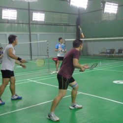 Những cách chống chấn thương khi chơi cầu lông