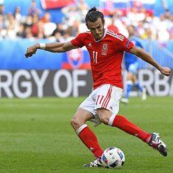 Gareth Bale có pha sút phạt thành bàn giúp Xứ Wales hạ Slovakia.