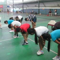 Những động tác khởi động trước khi chơi cầu lông