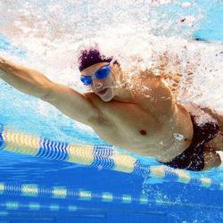Bơi một bên đúng hay sai trong bơi sải?