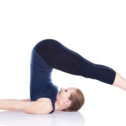 Mách bạn 4 tư thế Yoga giúp eo thon đẹp dáng