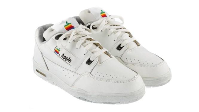 Apple sắp ra mắt giày sneaker dành riêng cho cộng đồng LGBT
