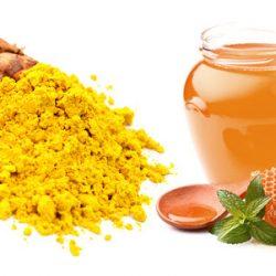 Sạch mụn nhờ 3 công thức trị mụn đơn giản từ mật ong và nghệ